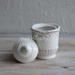 Миниатюрная вазочка